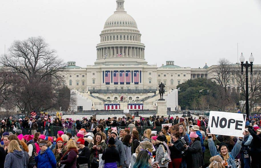 Samedi, dans la capitale états-unienne, des centaines de milliers de personnes ont pris part au rassemblement intitulé Women's March on Washington, qui visait à promouvoir les droits des femmes, à l'aube de la présidence de Donald Trump.