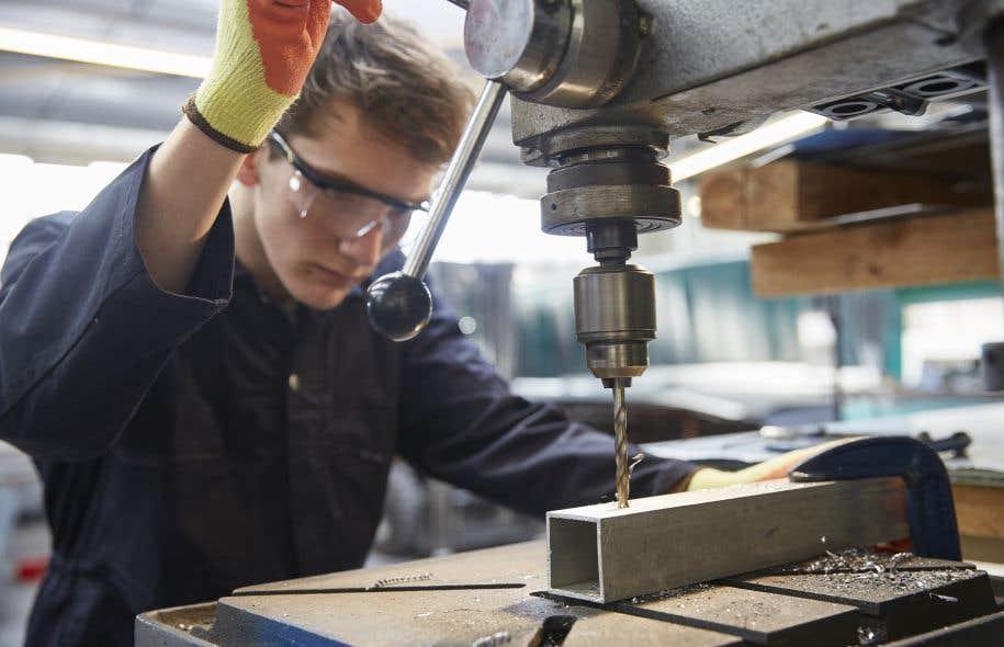 L'emploi manufacturier sorti du rouge en décembre est resté positif en janvier.