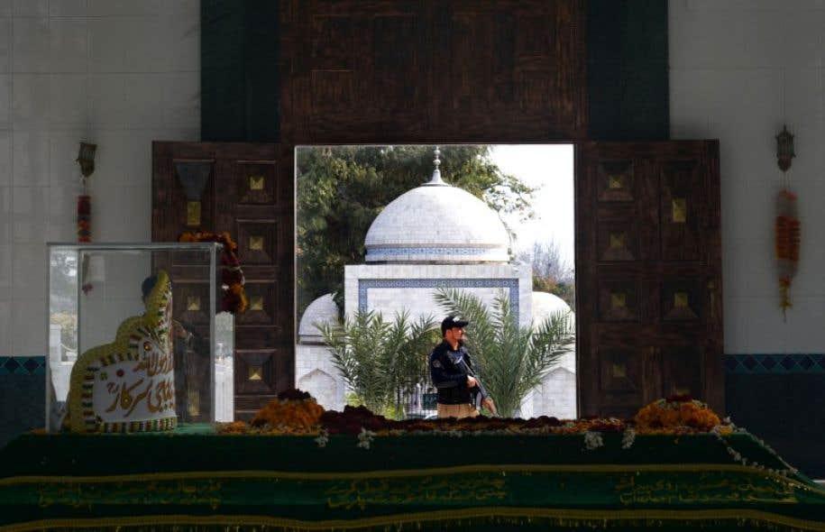 L'attaque s'est produite dans le sanctuaire Lal Shahbaz Qalandar.