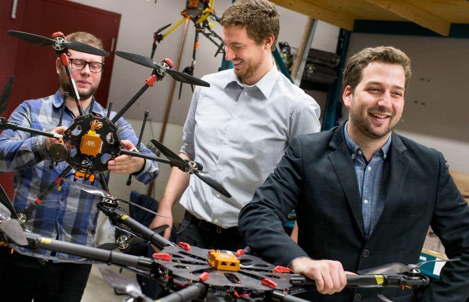 Pascal Chiva-Bernard, Charles Brunelle et Guillaume Charland-Arcand, d'Ara robotique