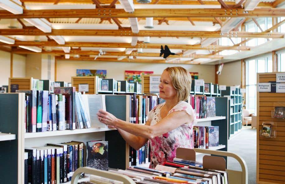 Le SPGQ représente plus de 25500 employés de la fonction publique, des sociétés d'État, des réseaux de l'éducation et de la santé, que ce soit des bibliothécaires, des actuaires ou autres.