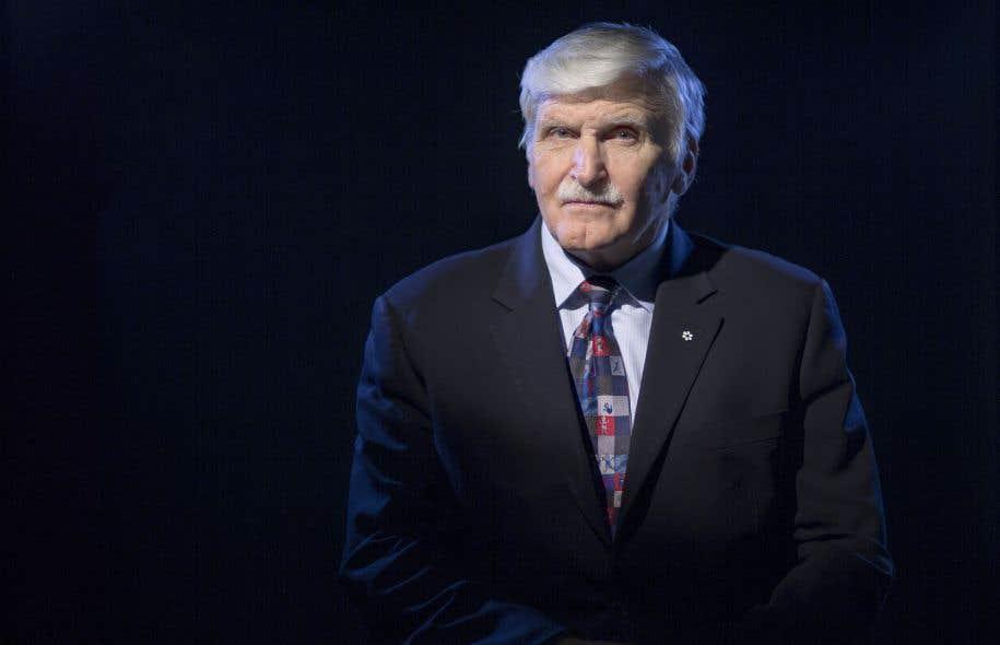 Roméo Dallaire ne parlera publiquement de stress post-traumatique qu'en 1997, désobéissant doucement à l'omerta qui prévalait au sein des Forces armées canadiennes.