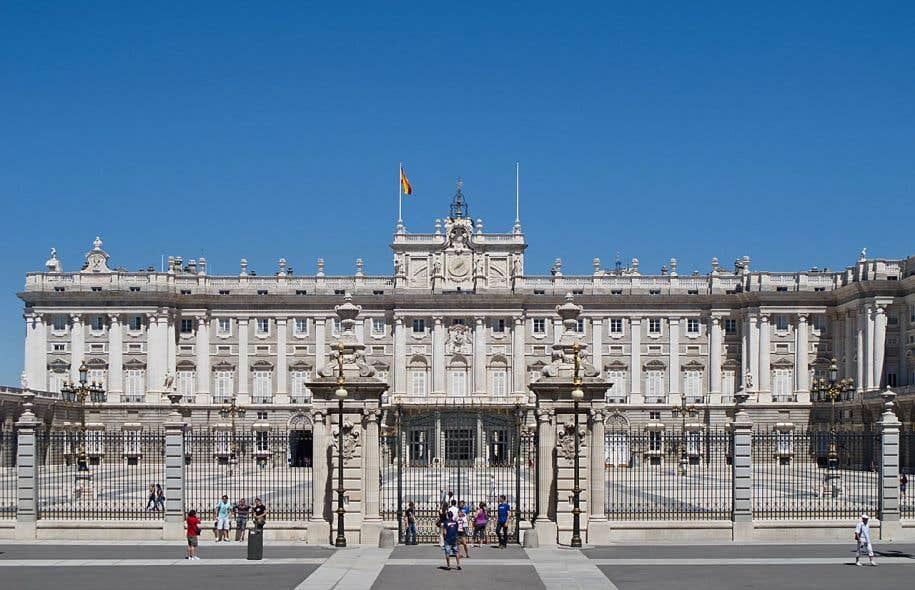 «L'Espagne entière grouille de salauds, des grands et des petits», écrit Javier Marías (sur la photo, le Palais royal de Madrid).
