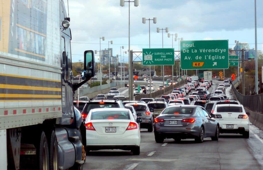 Le secteur des transports demeure le principal émetteur de GES, étant responsable de 41% des émissions totales du Québec en 2014.