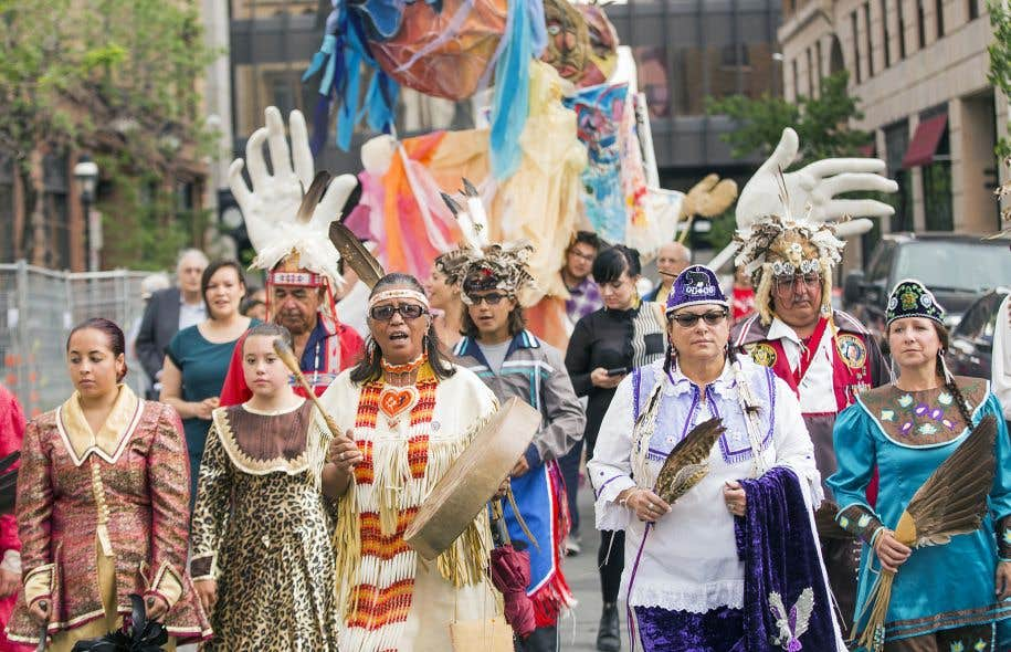 Marche à Montréal lors de la Journée nationale des autochtones
