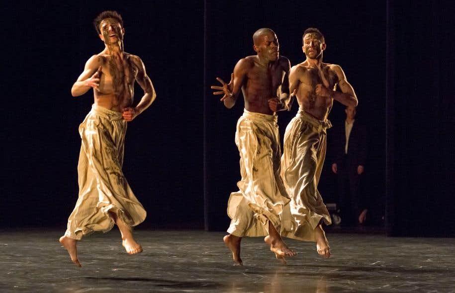 Naharin emmène les danseurs dans un abandon qu'il est rare de voir chez ces virtuoses.