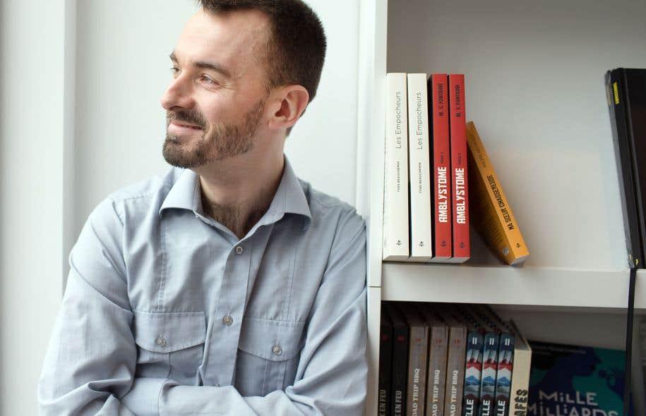 L'auteur livre une salutaire satire des romans à grand succès.