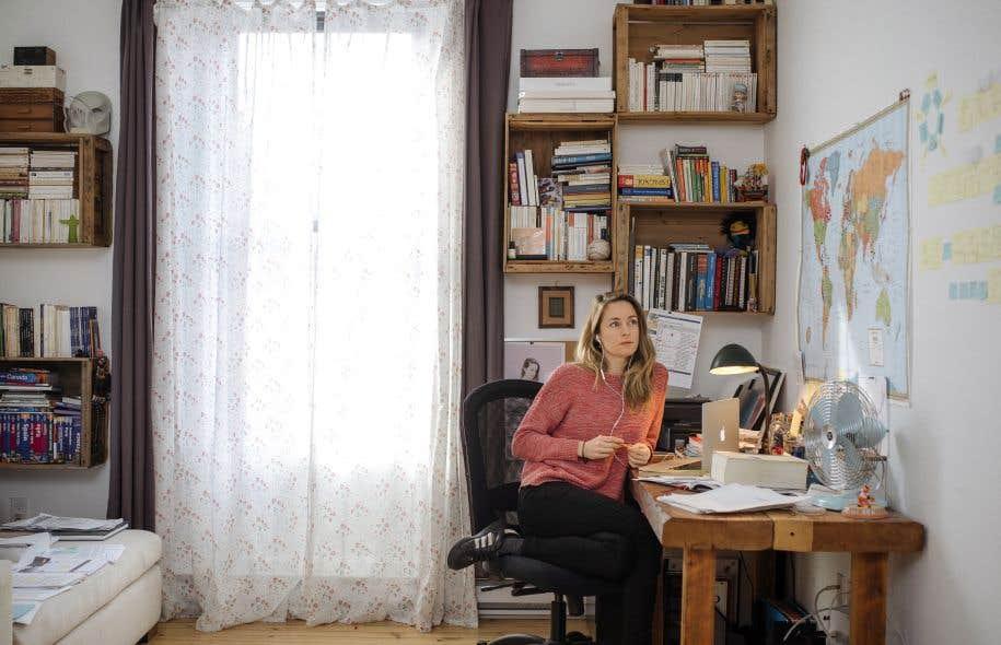 Courageuse, la comédienne Christine Beaulieu ose accomplir, pour son propre compte, mais aussi et peut-être même surtout au bénéfice de toute sa société, une démarche qui tient ouvertement du journalisme d'investigation.