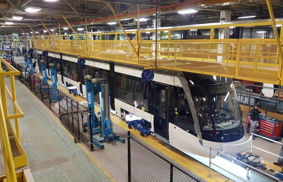Les trains légers commandés par Metrolinx sont construits à Thunder Bay, en Ontario (notre photo), ainsi qu'au Mexique.