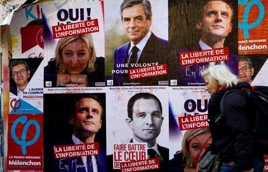 Quatre candidats sont en position pour se qualifier au second tour: la candidate d'extrême droite Marine Le Pen, le centriste Emmanuel Macron, le conservateur François Fillon et le tribun de la gauche radicale, Jean-Luc Mélenchon