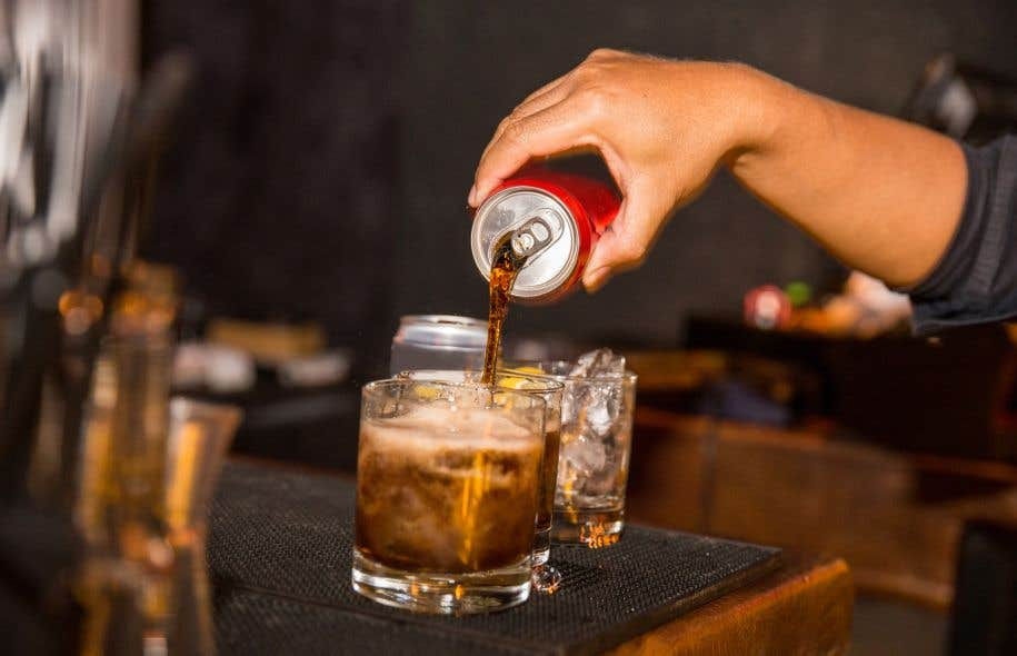 Plus on est pauvre, moins scolarisé et en mauvaise santé, plus on consomme de boissons sucrées, selon les données.