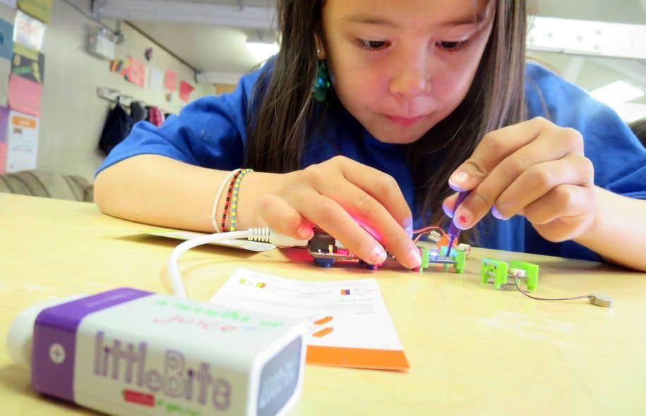 Actua est un organisme qui se consacre au développement de l'intérêt pour les sciences, la technologie, l'ingénierie et les mathématiques chez les jeunes.