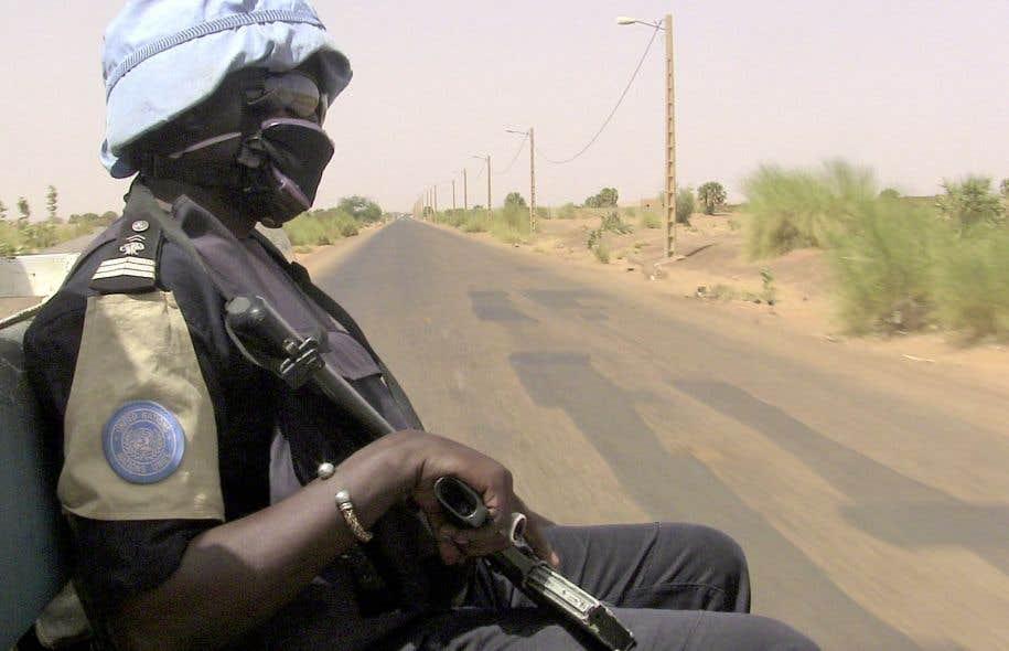 Un Casque bleu déployé au Mali. Selon l'auteur, c'est dans ce pays africain que le Canada devrait opérer son retour au sein de ces missions de l'ONU.