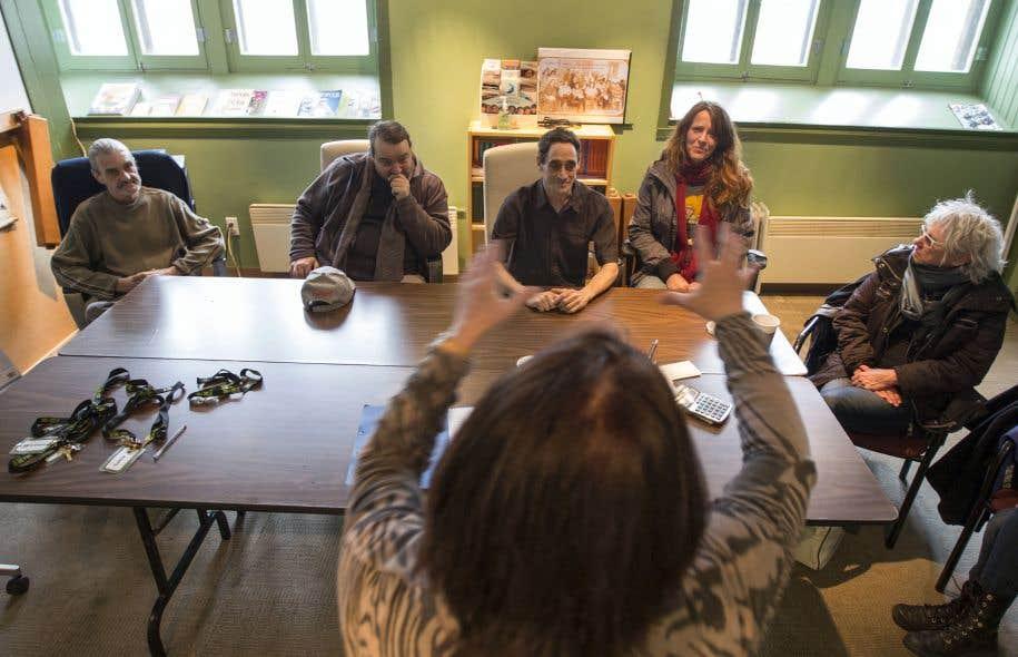 Les quatre participants venant de l'organisme Le Sac à dos sont dirigés par Martine Beaulne.