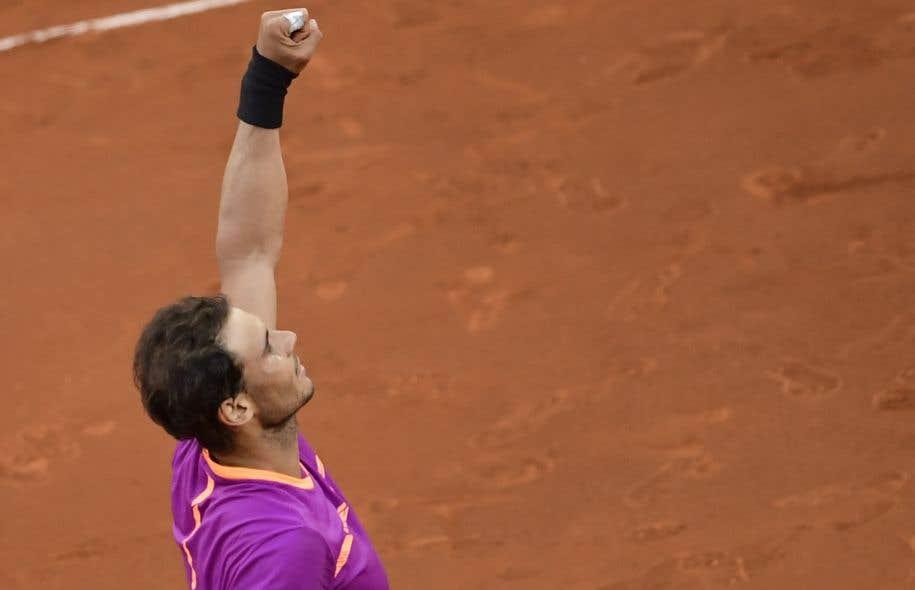 Rafael Nadal a décroché un troisième trophée consécutif sur terre battue.