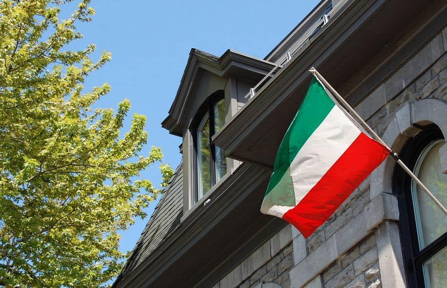 Le drapeau tricolore des patriotes a été créé en 1832 par le parti de Louis-Joseph Papineau.