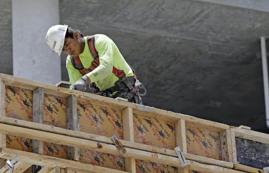 Négos rompues, loi spéciale lundi — Construction