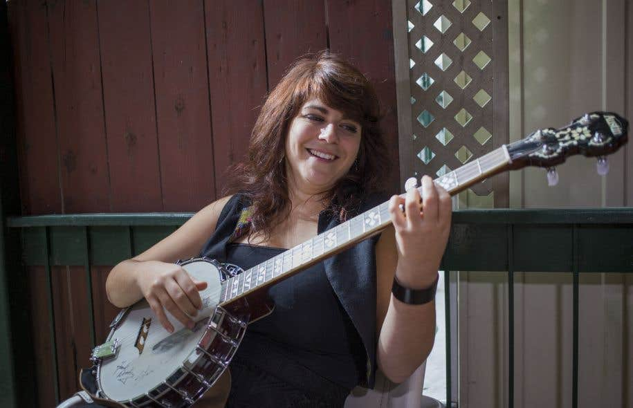 La chanteuse et musicienne acadienne Lisa LeBlanc