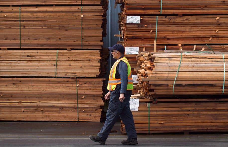 Les manifestants exhorteront le gouvernement fédéral à négocier avec le gouvernement américain «un accord juste et équitable» concernant le bois d'oeuvre.