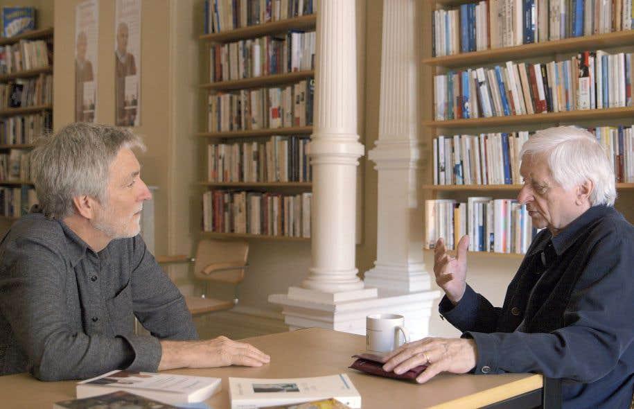 Le cinéaste John Walker en entretien avec Jacques Godbout