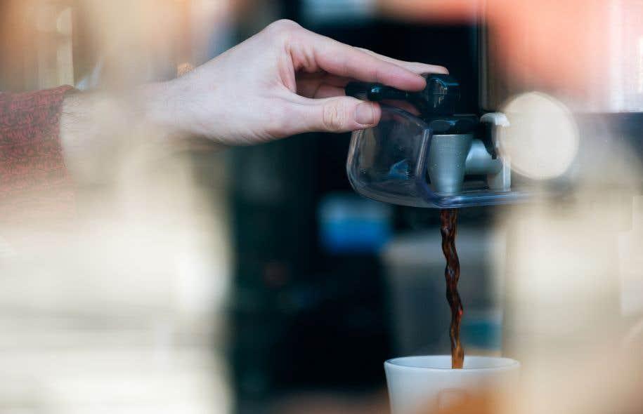 Environ 2,25milliards de tasses de café sont absorbées quotidiennement dans le monde.