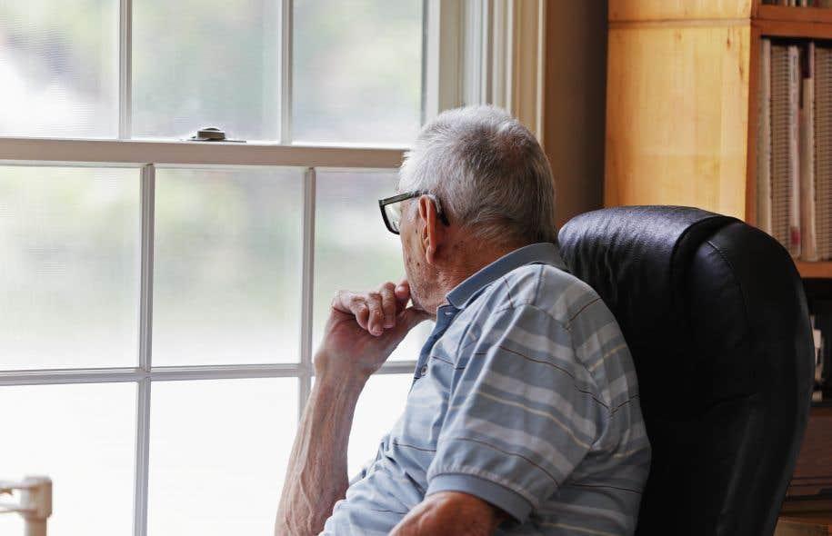 «Il est navrant de constater que des personnes âgées, isolées socialement [...] peuvent décéder et manquer à l'appel [...] sans que personne ne puisse s'en inquiéter», se désole le coroner Raynald Gauthier.