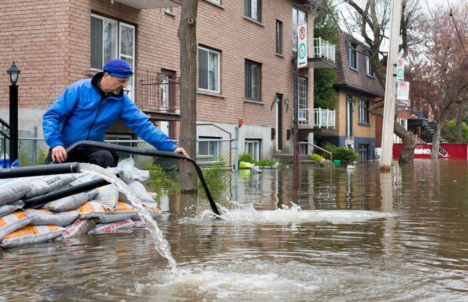 Cette année, les crues du printemps ont inondé 5300 résidences dans 278 municipalités, forçant l'évacuation de 4000 personnes.
