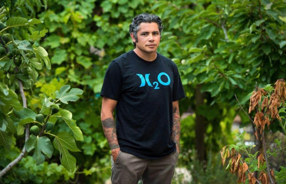 Donnie Bumanglag derrière chez lui à Lompoc, en Californie, samedi dernier
