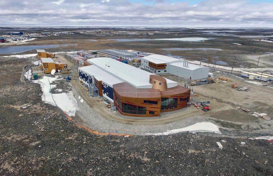 Annoncée en 2007, la station constituait la pièce maîtresse de la stratégie de l'ex-premier ministre Harper vis-à-vis de l'Arctique.