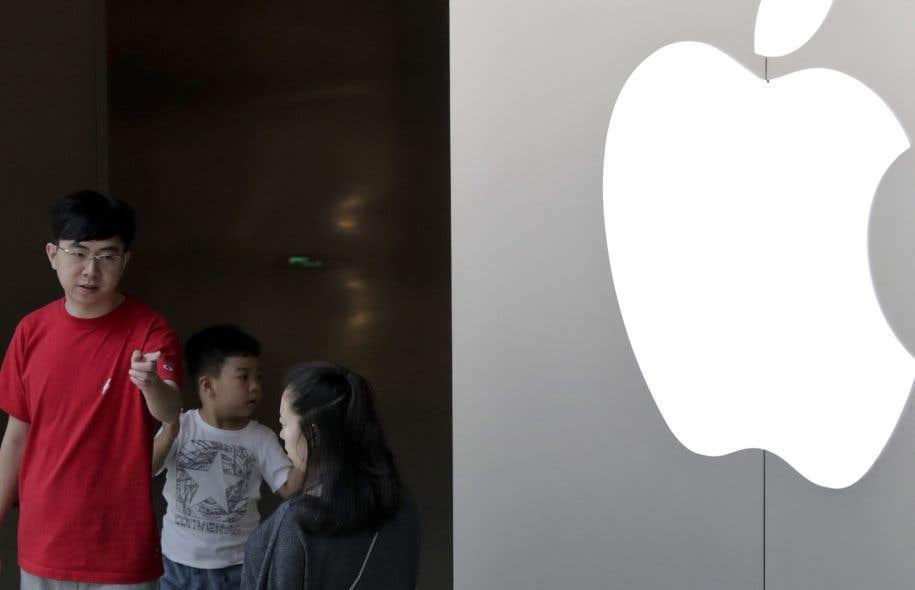 La Chine a des centaines de millions d'utilisateurs de téléphones intelligents et représente à ce titre un marché primordial pour Apple, l'iPhone étant très populaire dans le pays.