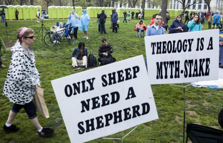 L'athée ne craignant pas la punition des dieux, il s'autoriserait plus facilement à mal agir.