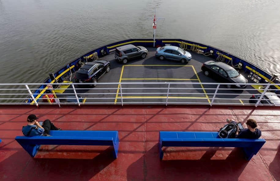 Le «Lomer-Gouin» et l'«Alphonse-Desjardins», les deux navires qui traversent le fleuve entre Québec et Lévis, effectuent 76 traversées par jour.