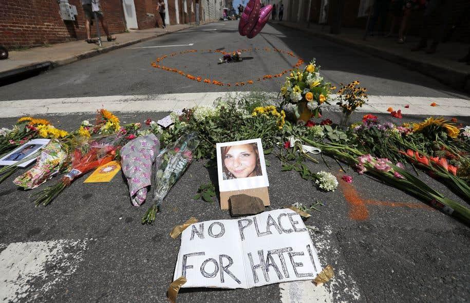 Trois personnes sont mortes et des dizaines d'autres blessées dans le cadre de ce qui aurait constitué le plus grand rassemblement de suprémacistes blancs en au moins dix ans.