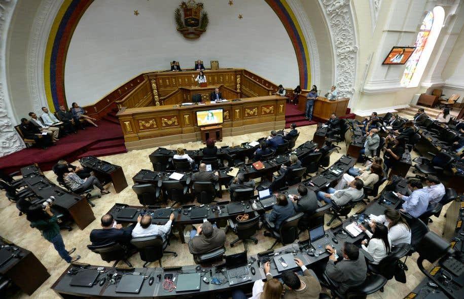 Venezuela: l'ex-procureure Luisa Ortega fui le pays