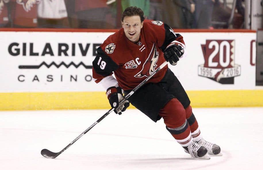 Le hockeyeur Shane Dohan des Coyotes d'Arizona.Le directeur général de l'équipe, Sean Burke, a indiqué mardi qu'il était intrigué par la disponibilité des vétérans de la LNH et joueurs autonomes Shane Doan et Jarome Iginla.