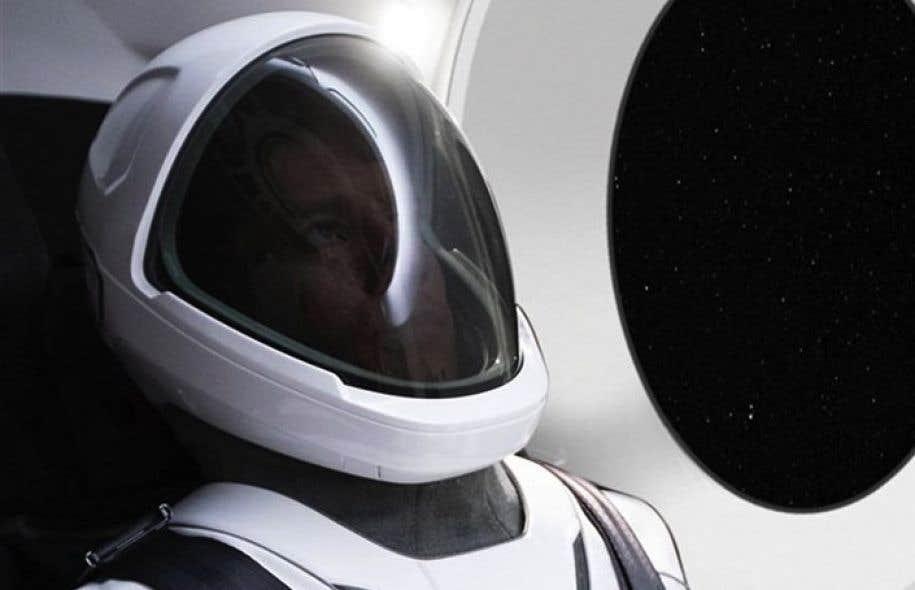 Elon Musk a dévoilé la première image officielle de la combinaison spatiale de SpaceX sur Instagram.