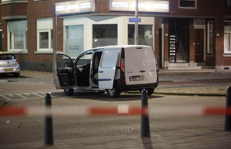 Une camionnette immatriculée en Espagne et contenant des bonbonnes de gaz a été interceptée par les policiers, à Rotterdam.