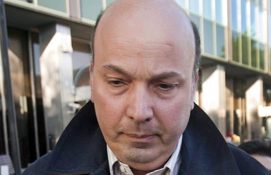 L'ancien président du comité exécutif de la Ville de Montréal, Frank Zampino, est accusé de fraude, de complot et d'abus de confiance.