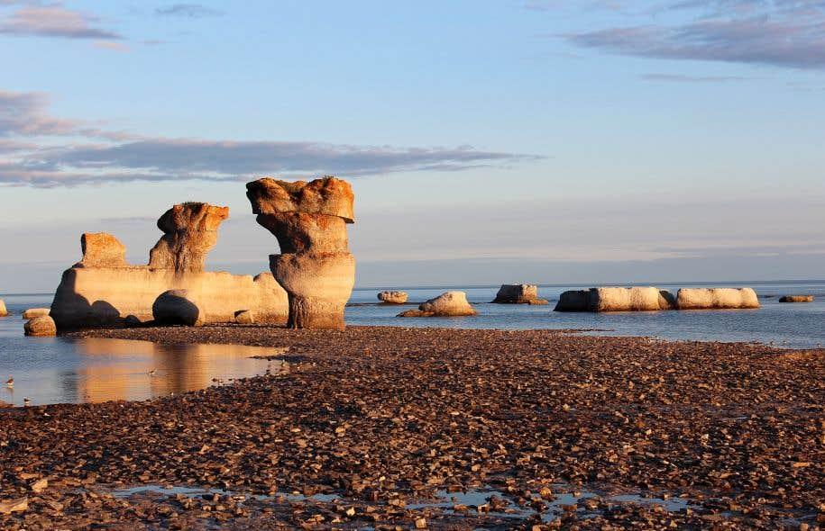 Les géants de calcaire de la réserve du parc national de l'Archipel-de-Mingan