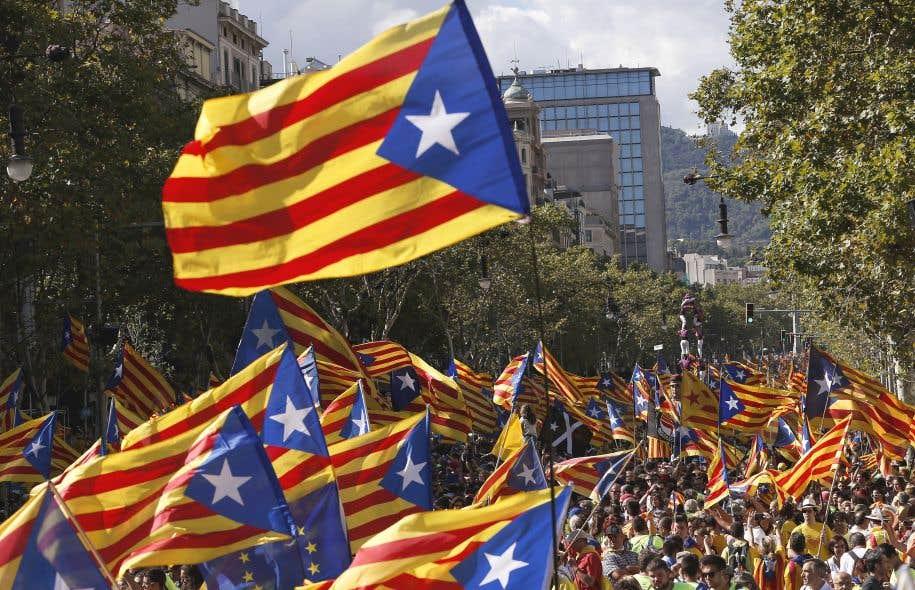 Les Catalans ont défilé dans les rues lundi à l'occasion de leur fête nationale.
