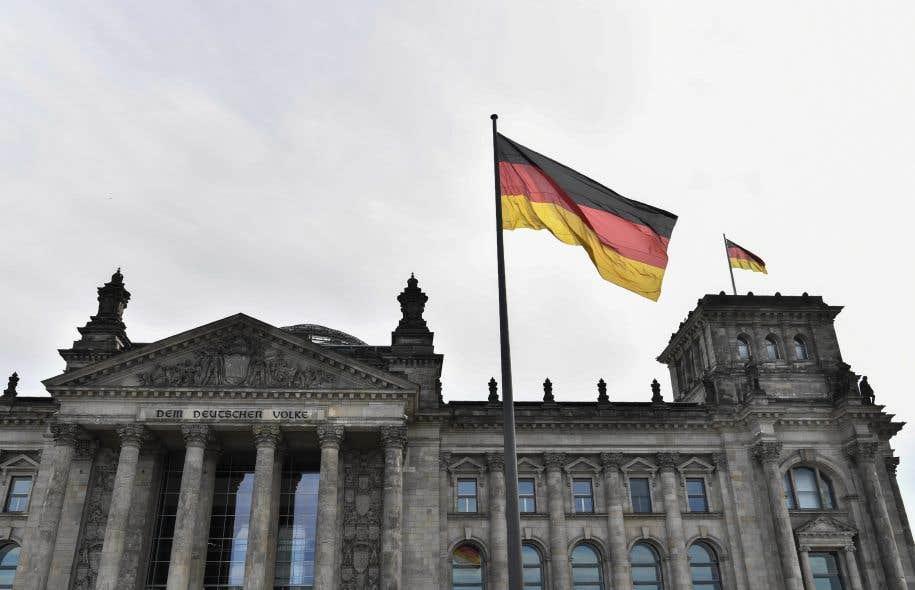 Vue sur le Reichstag, qui abrite le Bundestag (chambre basse), à Berlin.