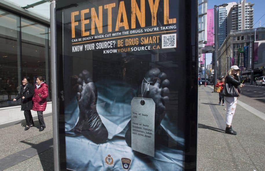La promotion des opioïdes par les géants de l'industrie et la pression exercée sur les médecins ont contribué au problème, estime le président-directeur général du Collège des médecins, Charles Bernard.