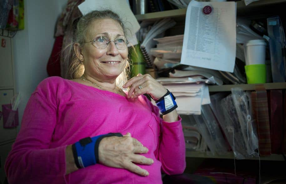 Francine St-Hilaire prend chaque jour ses comprimés afin de diminuer la douleur avec laquelle elle doit composer au quotidien, mais elle ne se considère pas comme dépendante pour autant.