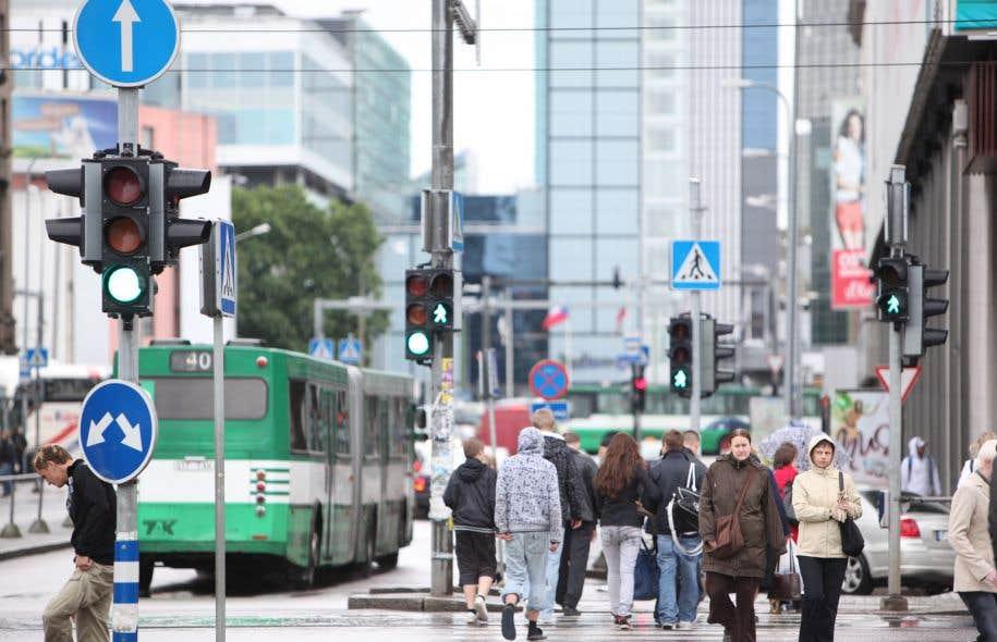 La gratuité totale ou partielle du transport collectif, adoptée par plusieurs villes d'Europe, est au nombre des promesses faites par plusieurs candidats aux élections municipales.
