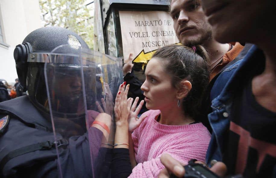 Des dizaines de milliers d'Espagnols manifestent pour le