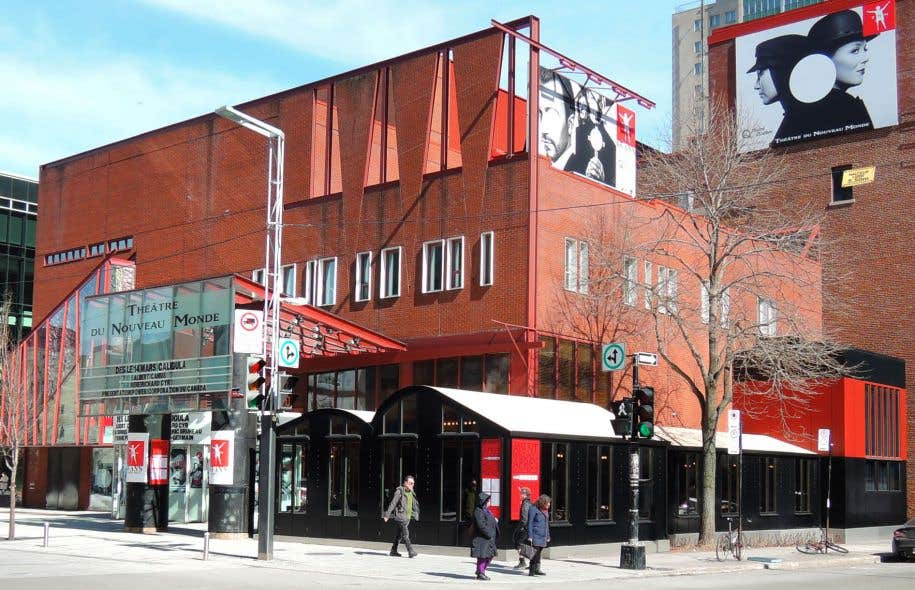 Chaque bâtiment construit par Hanganu est fort bien intégré aux paysages urbains environnants tout en portant la signature personnelle de l'architecte, souligne l'auteur. Sur la photo, on aperçoit le Théâtre du Nouveau Monde, à Montréal.