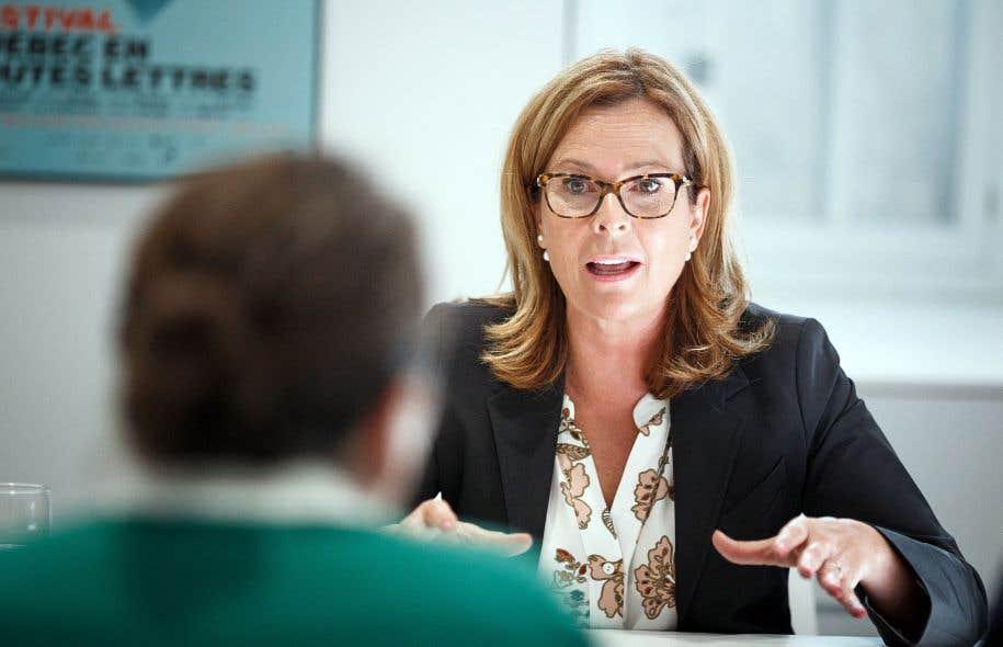La chef de Démocratie Québec, Anne Guérette, croit qu'il faut négocier directement avec les plateformes numériques pour s'assurer du respect de la réglementation municipale.