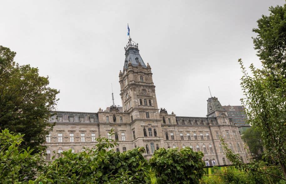 Le projet de loi sur la neutralité religieuse adopté