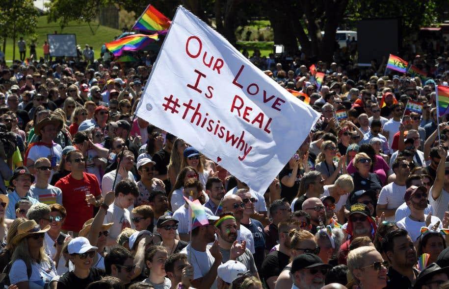 Des partisans du mariage gai se sont rassemblés à Sydney, mercredi, pour célébrer l'annonce des résultats.