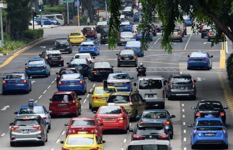 la recette choc de singapour pour limiter les voitures en ville le devoir. Black Bedroom Furniture Sets. Home Design Ideas